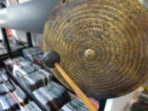 "Instrument ""Gong plat chinois"""